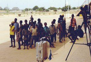 Burkina Faso - Testaufbau des Ü-Wagens im Fußballstadion von Ouagadougou © Konrad Kraemer